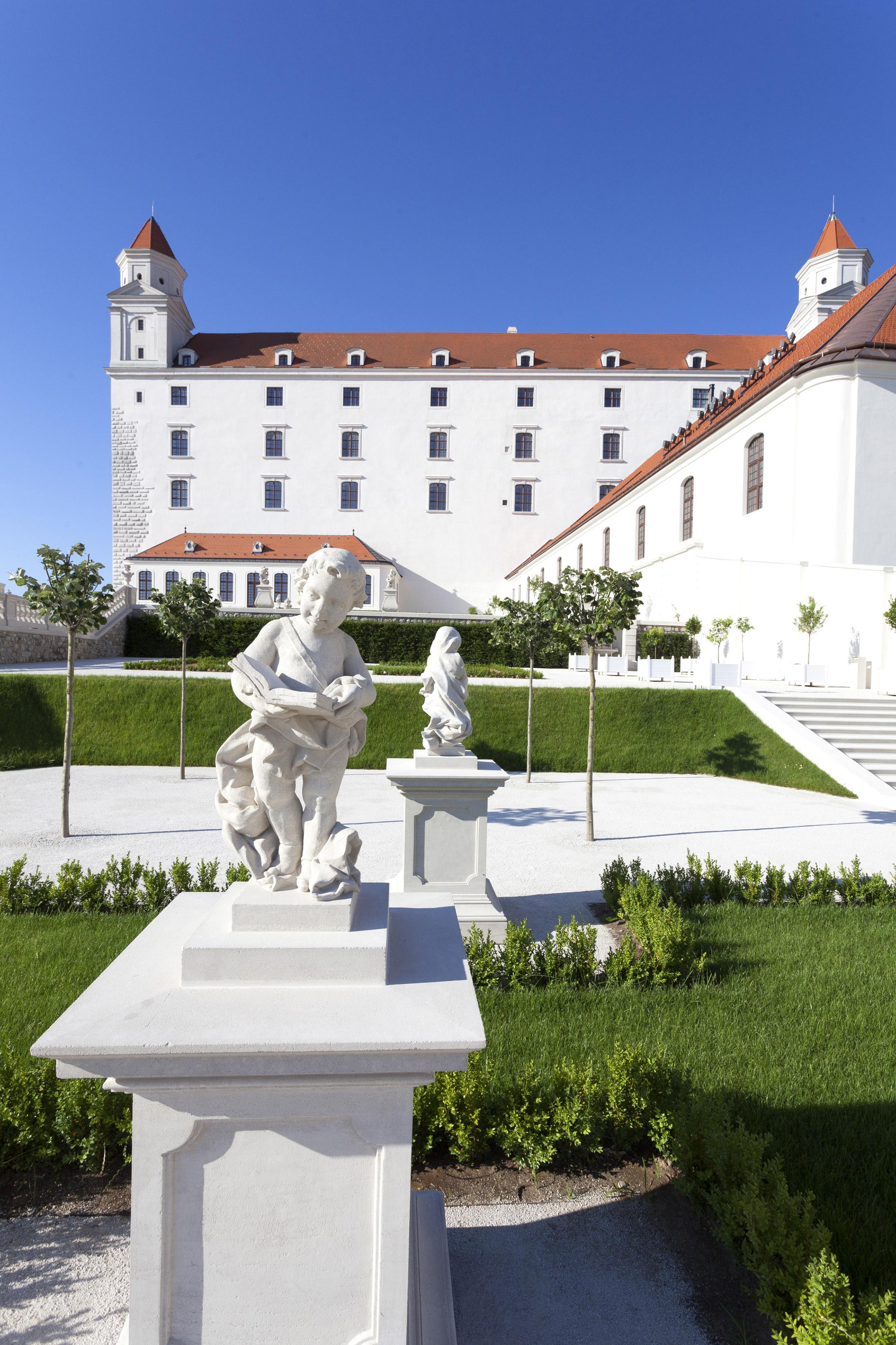 Bratislava Castle - Baroque Garden